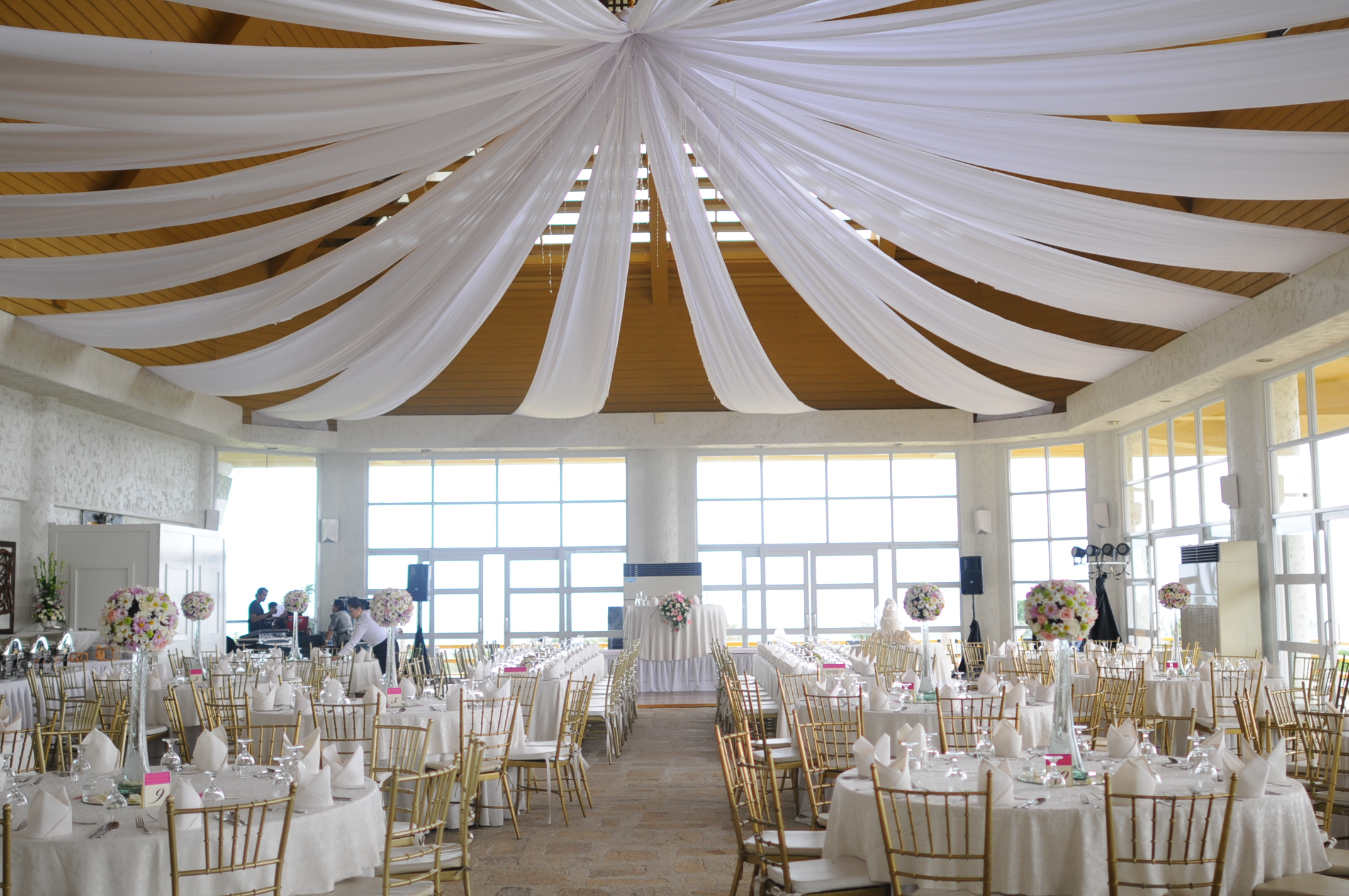 Reception midlands veranda danny and kathleen for Tagaytay wedding venue
